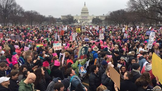 Vedetele au ţinut discursuri anti-Trump la Marşul Femeilor. Ashley Judd: Femeile nu sunt făcute pentru a fi pipăite! Scarlett Johansson: Nu te-am votat!