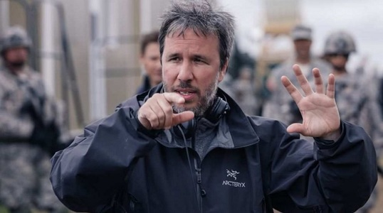 """Cineastul Denis Villeneuve va regiza o adaptare cinematografică a romanelor din seria """"Dune"""""""