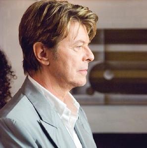 Ediţia de anul acesta a DokStation Music Documentary Film Festival de la Bucureşti va fi dedicată lui David Bowie