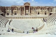 Organizaţia Stat Islamic a distrus o parte dintr-un amfiteatru roman şi un monument tetrapilon din Palmira