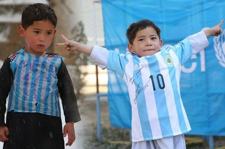 Băieţelul afgan care a primit un tricou de la Messi s-a întâlnit cu starul argentinian la Doha. VIDEO