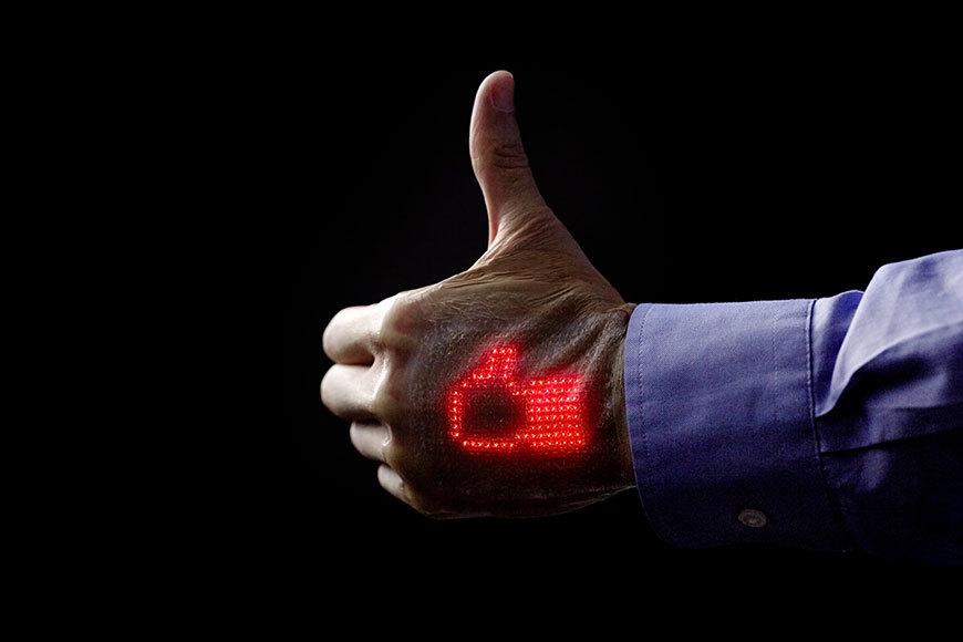 Pielea electronică care îţi citeşte semnele vitale