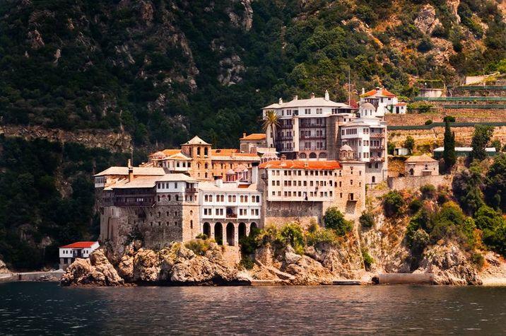 Mănăstirea Agia Grigoriou de pe muntele Athos.