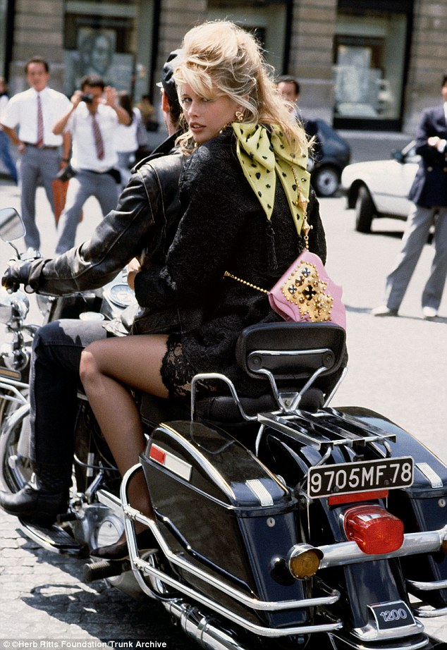 Claudia Schiffer în 1989