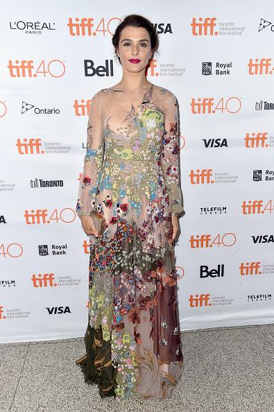 Rachel Weisz a ales o rochie prea încărcată