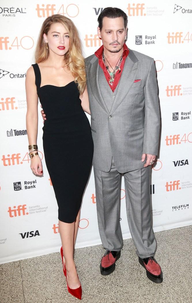 Amber Heard şi Johnny Depp şi-au făcut din nou apariţia în stil original