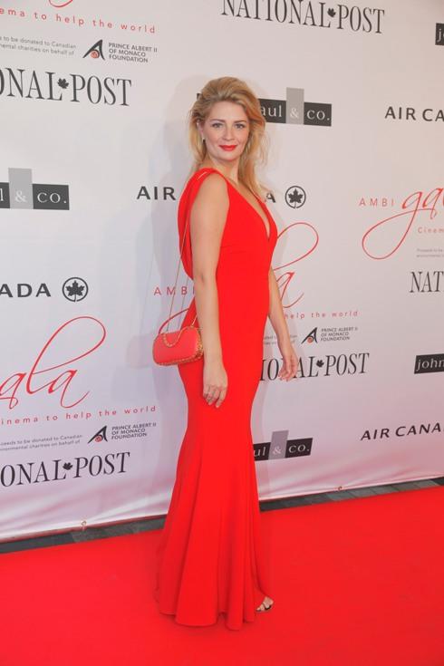 Mischa Barton la gala caritabilă care-a deschis festivalul