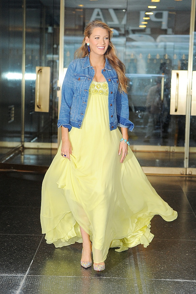 Pregnant actress Blake Lively wears a floor-length yellow dress in New York City, New York. Pictured: Blake Lively Ref: SPL1305938 210616 Picture by: Splash News Splash News and Pictures Los Angeles:310-821-2666 New York: 212-619-2666 London: 870-934-2666 photodesk@splashnews.com
