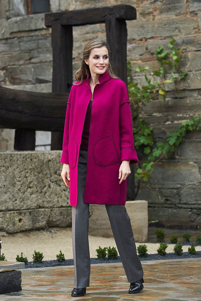 LOS OSCOS, SPAIN - OCTOBER 22:  Queen Letizia of Spain visits Los Oscos Region on October 22, 2016 in Los Oscos, Spain. The region of Los Oscos was honoured as the 2016 Best Asturian Village.  (Photo by Carlos Alvarez/Getty Images)