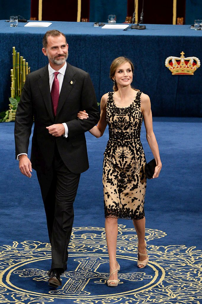 OVIEDO, SPAIN - OCTOBER 21:  King Felipe VI of Spain and Queen Letizia of Spain attend the Princesa de Asturias Awards 2016 ceremony at the Campoamor Theater on October 21, 2016 in Oviedo, Spain.  (Photo by Carlos Alvarez/Getty Images)