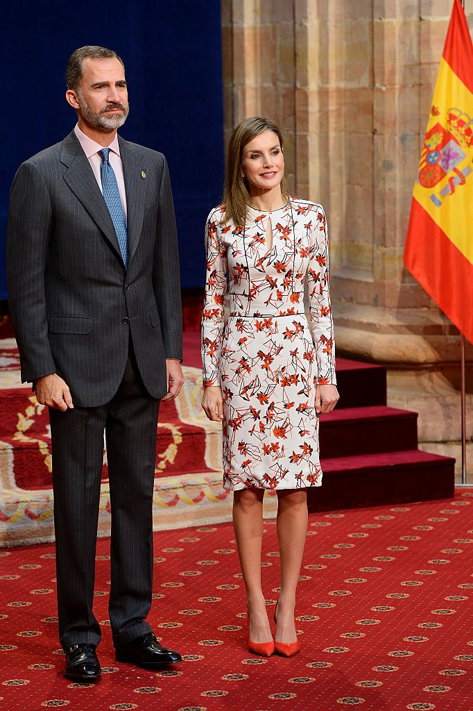 OVIEDO, SPAIN - OCTOBER 21:  King Felipe VI of Spain and Queen Letizia of Spain attend several audiences during the Princess of Asturias awards 2016 at the Reconquista Hotel on October 21, 2016 in Oviedo, Spain.  (Photo by Carlos Alvarez/Getty Images)