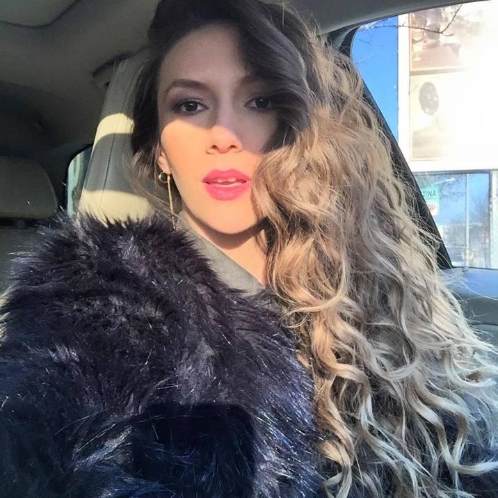 Adela Popescu par lung