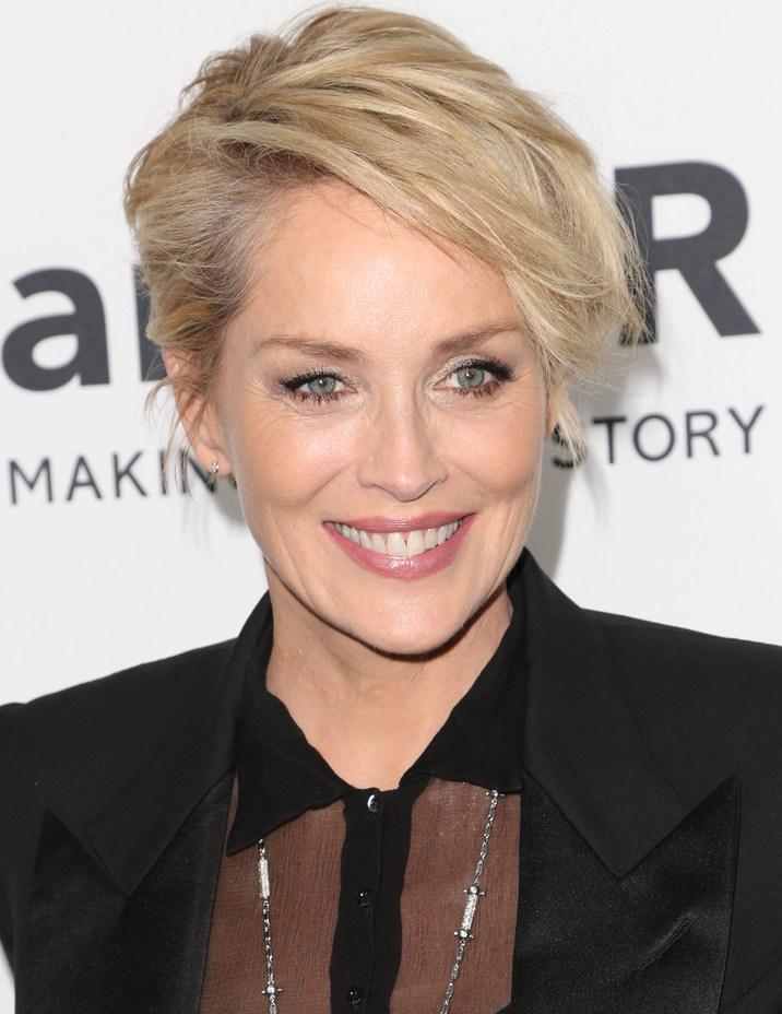 Sharon Stone a trecut printr-o intervenţie pe creier.