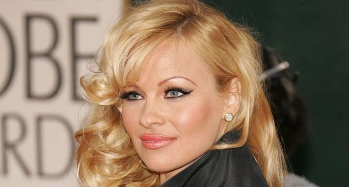 Pamela-Anderson-plastic-surgery-featured-800x429