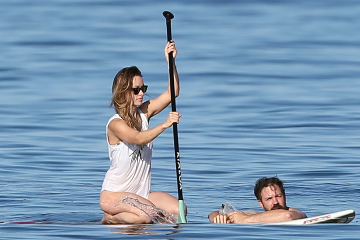 51929210 Happy couple Olivia Wilde and Jason Sudeikis spend a day at the beach with their son Otis Sudeikis in Maui, Hawaii on December 13, 2015. FameFlynet, Inc - Beverly Hills, CA, USA - +1 (818) 307-4813