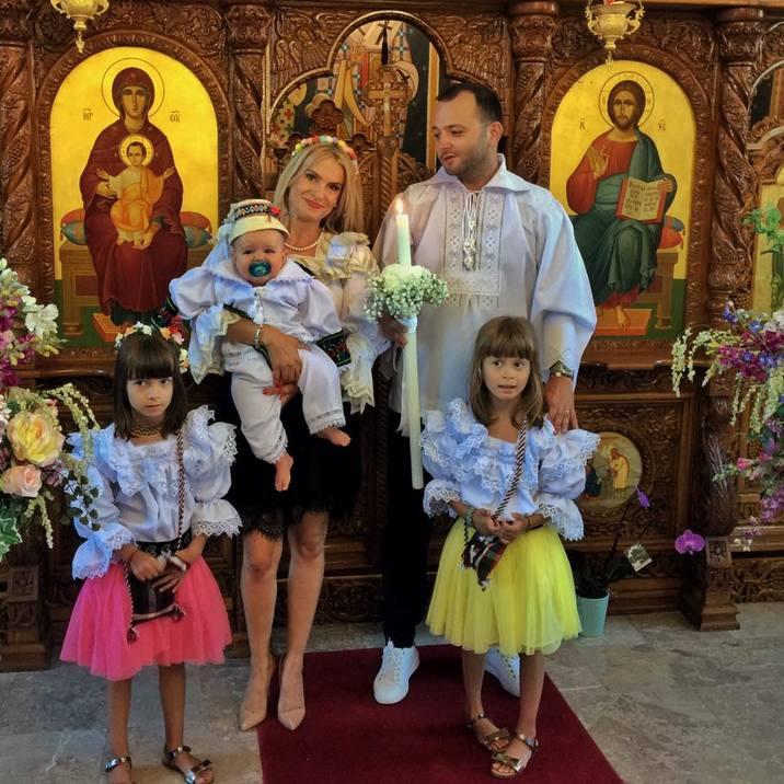 Mihai-Morar-si-a-botezat-nepotul