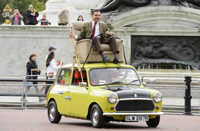 Mr Bean celebrates 25 years with a trip to Buckingham Palace, London, Britain - 04 Sep 2015