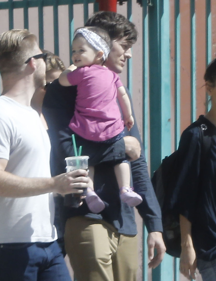 Exclusive... 51873045 Actor Ashton Kutcher gets a visit from wife Mila Kunis and daughter Wyatt while filming an upcoming movie in Los Angeles, California on October 7, 2015. Rumors are swirling that the pair are expecting baby number 2. FameFlynet, Inc - Beverly Hills, CA, USA - +1 (818) 307-4813
