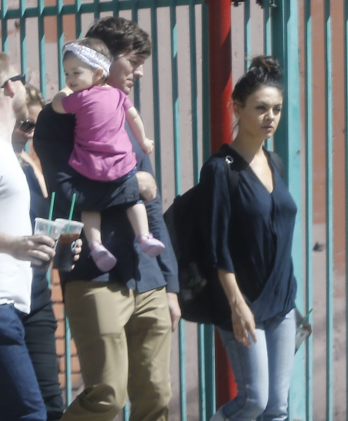 Exclusive... 51873042 Actor Ashton Kutcher gets a visit from wife Mila Kunis and daughter Wyatt while filming an upcoming movie in Los Angeles, California on October 7, 2015. Rumors are swirling that the pair are expecting baby number 2. FameFlynet, Inc - Beverly Hills, CA, USA - +1 (818) 307-4813