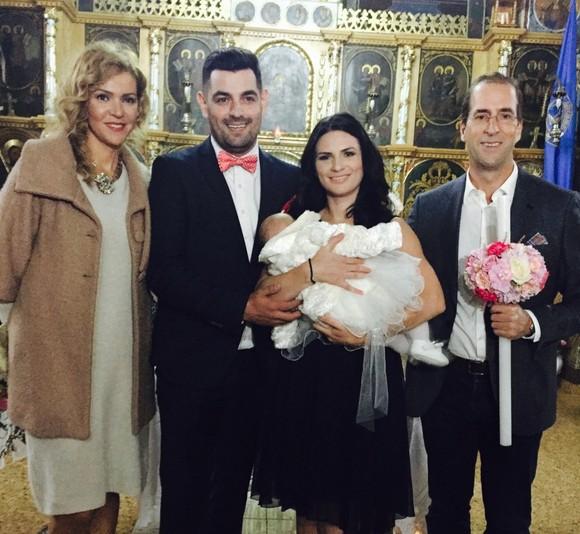 Micuţa Alexis Maria a plâns în timpul slujbei religioase