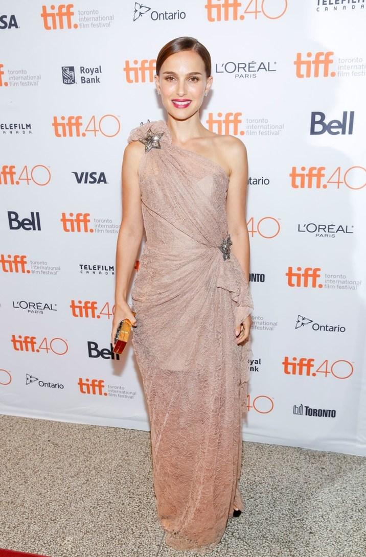Natalie Portman într-o creaţie Lanvin
