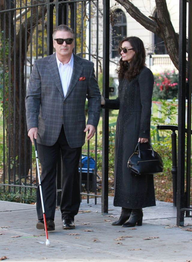51903446 Demi Moore and Alec Baldwin on the set of 'Blind', filming in the Bronx, New York on November 09, 2015. FameFlynet, Inc - Beverly Hills, CA, USA - +1 (818) 307-4813