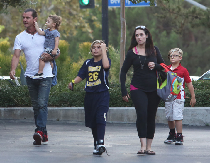 51866277 Musician Gavin Rossdale takes his sons Kingston, Zuma and  Apollo out for a sushi dinner in Bel-Air, California on October 1, 2015. Gavin has moved into a 6.5 million dollar bachelor as he is trying to secure half of Gwen Stefani's 100 million dollar fortune in their upcoming divorce. FameFlynet, Inc - Beverly Hills, CA, USA - +1 (818) 307-4813