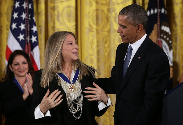 Obama a glumit pe tot timpul ceremoniei, consolidându-şi reputaţia de preşedinte atipic