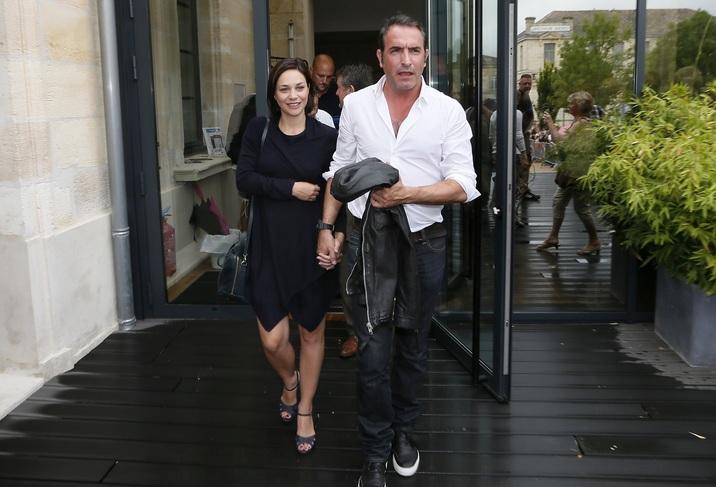 Jean Dujardin şi Nathalie Pechalat sunt proaspăt părinţi!