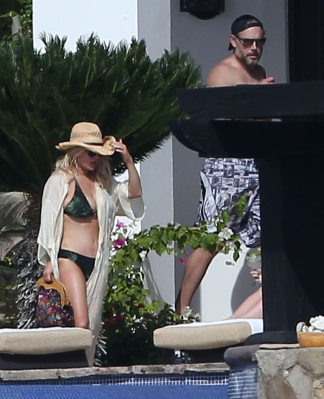 Exclusive... 51949766 Actress Jessica Simpson, her husband Eric Johnson, her sister Ashlee Simpson and her husband Evan Ross enjoying a day poolside while on vacation in Cabo San Lucas, Mexico on January 17, 2016. Jessica soaked up the sun and showed off her sexy bikini body. Eric enjoyed playing beer pong with friends before doing a cannonball into the pool Evan served everyone drinks while Ashlee took care of their daughter Jagger. FameFlynet, Inc - Beverly Hills, CA, USA - +1 (310) 505-9876