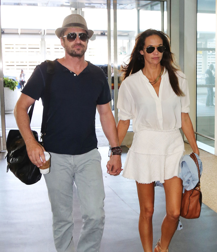 51851702 Celebrities at the airport, leaving Toronto after the Toronto International Film Festival, on September 16, 2015.  Celebrities at the airport, leaving Toronto after the Toronto International Film Festival, on September 16, 2015.  Pictured: Gerard Butler, Morgan Brown FameFlynet, Inc - Beverly Hills, CA, USA - +1 (818) 307-4813