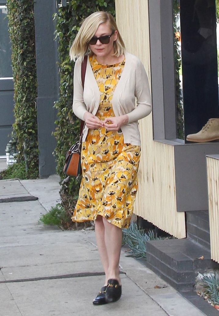 51985543 'Fargo' actress Kirsten Dunst was spotted shopping in West Hollywood, California on March 2, 2016. Kirsten wore a bright yellow dress while she was out. FameFlynet, Inc - Beverly Hills, CA, USA - +1 (310) 505-9876