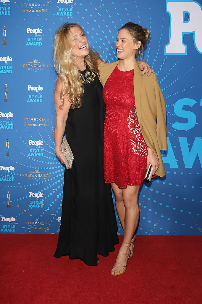 MUNICH, GERMANY - MARCH 07:  Bar Refaeli (R) and her mother Tzipi Levine attend the PEOPLE Style Awards at Hotel Vier Jahreszeiten on March 7, 2016 in Munich, Germany.  (Photo by Andreas Rentz/Getty Images for PEOPLE)