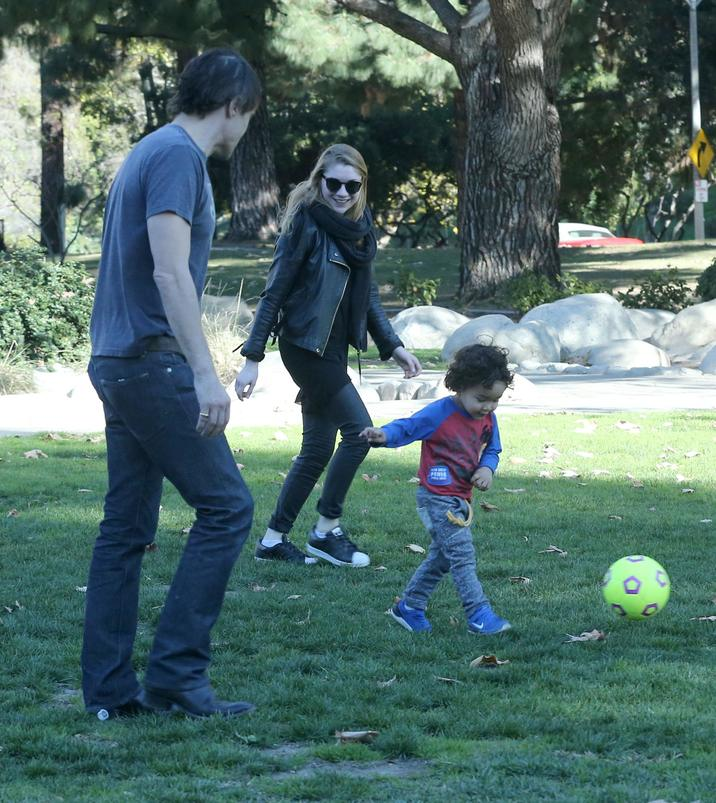 Exclusive... 51956766 Actor Olivier Martinez and his son Maceo are joined by a mystery women as then spend time together at the Coldwater Canyon Park in Beverly Hills, California on January 26, 2016. The trio had a blast kicking around a soccer ball. Could this young girl be Olivier's new girlfriend? ***NO WEB USE W/O PRIOR AGREEMENT - CALL FOR PRICING*** FameFlynet, Inc - Beverly Hills, CA, USA - +1 (310) 505-9876