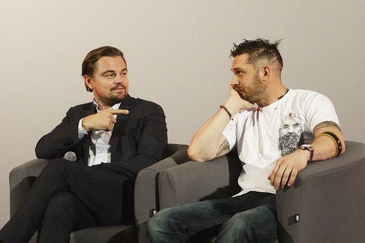Leo DiCaprio i-a mulţumit lui Tom în fiecare speech de acceptare a premiilor culese cu rolul din The Revenant, inclusiv la Oscar.