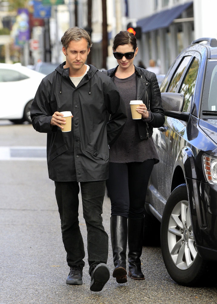 51940415 Pregnant Anne Hathaway and her husband Adam Shulman out and about in Beverly Hills on January 06, 2015. The actress has recently announced her pregnancy to the public, and is sporting a healthy baby bump. FameFlynet, Inc - Beverly Hills, CA, USA - +1 (310) 505-9876