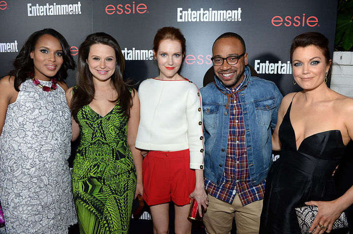 LOS ANGELES, CA - JANUARY 17:  (L-R) Actors Kerry Washington, Katie Lowes, Darby Stanchfield, Columbus Short and Bellamy Young attend the Entertainment Weekly celebration honoring this year's SAG Awards nominees sponsored by TNT & TBS and essie at Chateau Marmont on January 17, 2014 in Los Angeles, California.  (Photo by Dimitrios Kambouris/Getty Images for Entertainment Weekly)