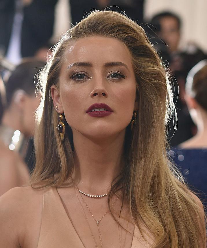 Amber Heard e cea care doreşte divorţul, la 15 luni de la nuntă