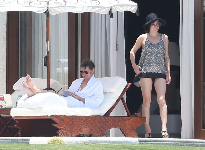 52073845 Actress Milla Jovovich and husband Paul W.S. Anderson enjoying a relaxing vacation in Mexico on May 28, 2016. The pair soaked up the sun and took a dip in the pool after spending last week at the Cannes Film Festival. FameFlynet, Inc - Beverly Hills, CA, USA - +1 (310) 505-9876