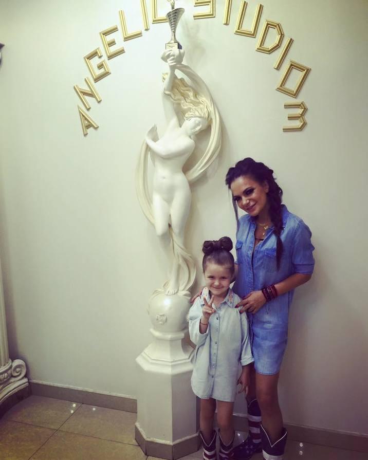 Andreea Antonescu fiica ei Sienna 2