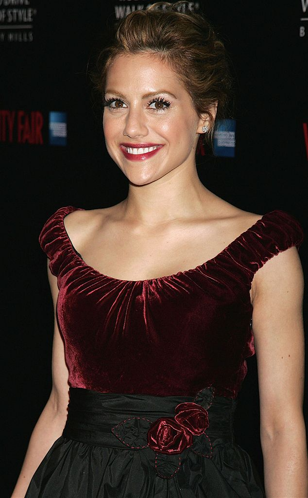 BEVERLY HILLS, CA - FEBRUARY 28: Actress and the evening's host Brittany Murphy poses at the Rodeo Drive Walk of Style event honoring costume designers Edith Head, James Acheson and Milena Canonero on February 28, 2006 in Beverly Hills, California. (Photo by David Livingston/Getty Images)