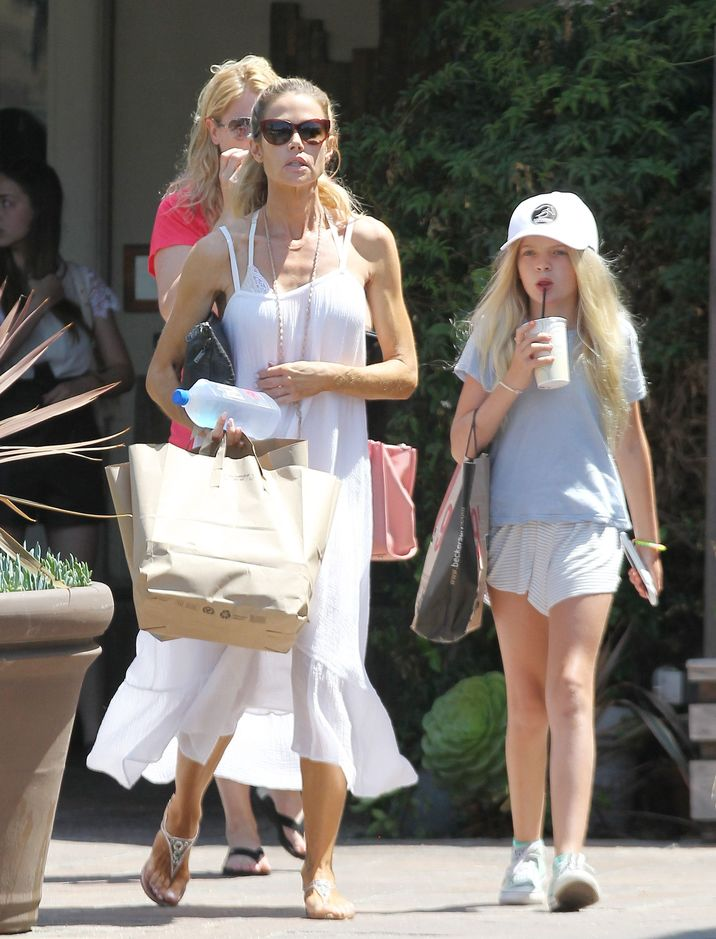 52132023 Actress Denise Richards is seen out shopping with her daughter Lola in Malibu, California on July 24, 2016. Denise and Lola shopped at the Becker Surf & Sport store. FameFlynet, Inc - Beverly Hills, CA, USA - +1 (310) 505-9876