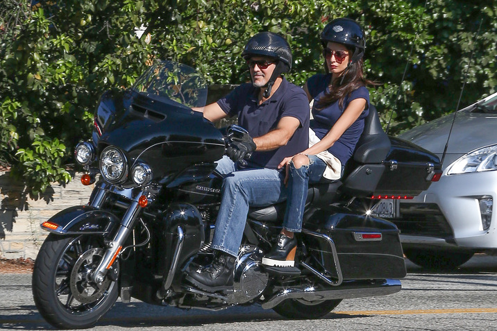 Exclusive... 52150828 Actor George Clooney takes his wife Amal Clooney for a ride on his Harley along Mulholland highway in Los Angeles, California on August 19, 2016. Rumors have been swirling that Amal is pregnant. (Hollywood Life) ***NO USE W/O PRIOR AGREEMENT - CALL FOR PRICING*** FameFlynet, Inc - Beverly Hills, CA, USA - +1 (310) 505-9876