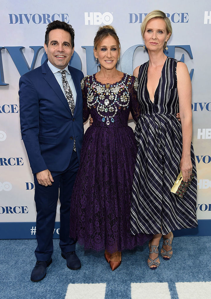 "NEW YORK, NY - OCTOBER 04: (l-R) Mario Cantone, Sarah Jessica Parker and Cynthia Nixon attend the ""Divorce"" New York Premiere at SVA Theater on October 4, 2016 in New York City. (Photo by Jamie McCarthy/Getty Images)"