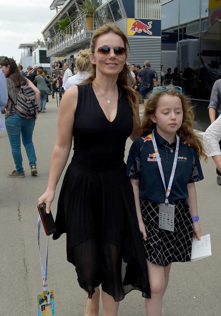 Geri Halliwell mit Tochter Bluebell Madonna beim GP von Spanien in Barcelona / 150516 *** Geri Halliwell seen with daughter Bluebell Madonna at Barcelona F1 Racing Circuit, May 15, 2016 ***