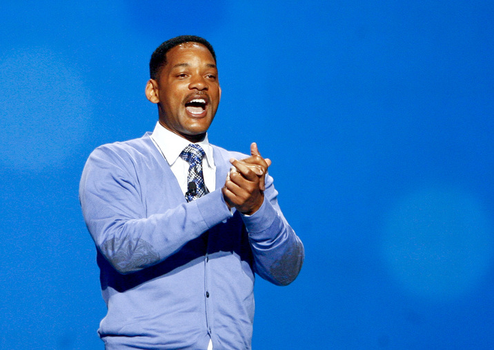 Actor Will Smith hosts the Wal-Mart Stores Inc's annual general meeting in Fayetteville, Arkansas June 3, 2011. REUTERS/Sarah Conard (UNITED STATES - Tags: BUSINESS)