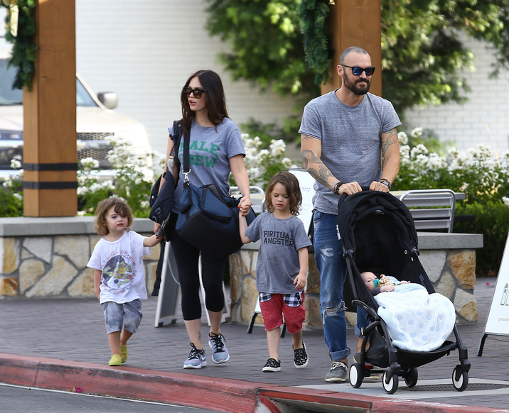 Exclusive... 52229854 Actress and model Megan Fox was spotted out and about with her family in Ventura County, Los Angeles on November 12, 2016. The group enjoyed their time out together and her baby Journey slept throughout the outing.***NO USE W/O PRIOR AGREEMENT - CALL FOR PRICING*** FameFlynet, Inc - Beverly Hills, CA, USA - +1 (310) 505-9876
