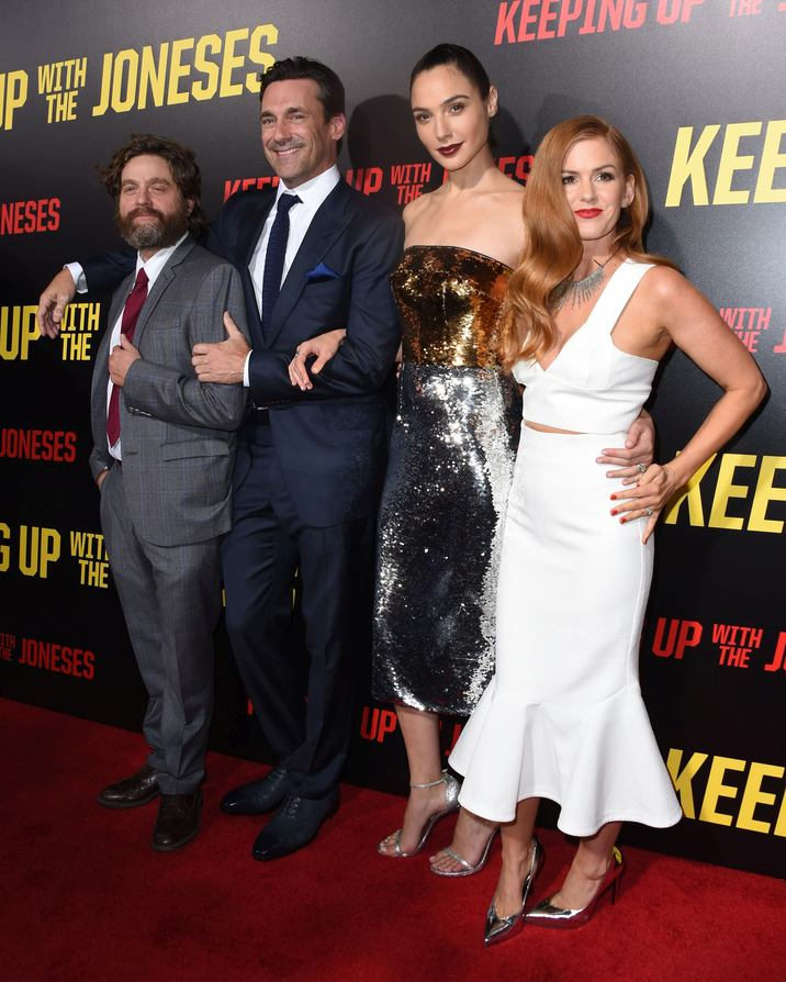 Zach Galifianakis + Jon Hamm + Gal Gadot + Isla Fisher @ the premiere of 'Keeping Up With The Joneses' held @ the Fox studios backlot. October 8, 2016 , Los Angeles, USA. # PREMIERE DU FILM 'KEEPING UP WITH THE JONESES'