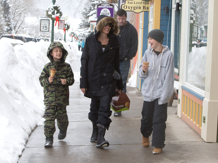 52270923 Actress Angelina Jolie is spotted out getting ice cream with her kids Shiloh and Knox in Crested Butte, Colorado on January 2, 2016.  Angelina is enjoying a winter vacation with her kids minus her estranged husband Brad Pitt with whom she split with late last year. FameFlynet, Inc - Beverly Hills, CA, USA - +1 (310) 505-9876