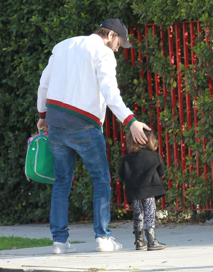 Exclusive... 52285679 Actor Ashton Kutcher is spotted out with his daughter Wyatt in Studio City, California on January 18, 2017. Ashton recently Tweeted out that he's glad that Natalie Portman has raised the issue of gender pay equality in Hollywood, after she admitted that Ashton got paid 3 times the amount that he got when they starred in the movie 'No Strings Attached' in 2011. FameFlynet, Inc - Beverly Hills, CA, USA - +1 (310) 505-9876